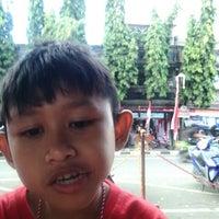 Photo taken at Pasar Senggol Gianyar by Putri A. on 8/13/2016