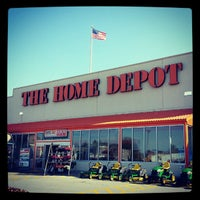 Photo taken at The Home Depot by Maricarmen S. on 11/23/2012