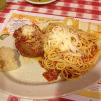 Photo taken at Buca di Beppo Italian Restaurant by Kevin E. on 5/24/2014