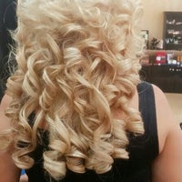 Photo taken at Beauty Lounge by Cristina B. on 8/14/2014