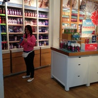 Photo taken at Bath & Body Works by Franklin R. on 5/23/2013