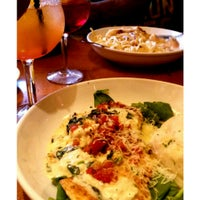 Photo taken at Olive Garden by Takesha H. on 8/12/2014