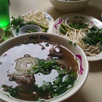 Photo taken at Pho Hoa Noodle Soup by Khatera M. on 5/5/2012