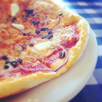 Photo taken at Italianni's by Pako R. on 2/16/2012