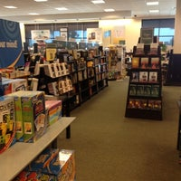 Photo taken at Barnes & Noble by Andres on 2/18/2012
