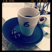 Photo taken at Mandarina by Manuel D. on 5/17/2012