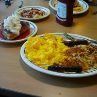 Photo taken at IHOP by Franchesca B. on 6/10/2012