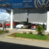 Photo taken at Pau Brasil - Concessionária Volkswagen by Marcelo G. on 3/12/2014