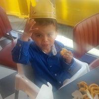 Photo taken at Burger King by Liz R. on 8/9/2016