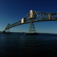 Photo taken at Bridgewater Bistro by Scott E. on 6/30/2013