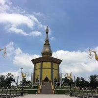 Photo taken at วัดป่ากุง (วัดประชาคมวนาราม) by Pang W. on 7/19/2016