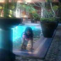 Photo taken at Hotel Pakumas by yuliani l. on 8/15/2013