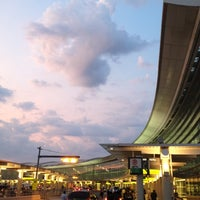 Photo taken at Toronto Pearson International Airport (YYZ) by Weston R. on 7/13/2012