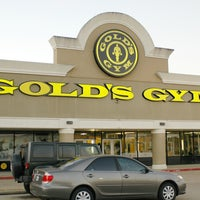 Photo taken at Gold's Gym by Gold's Gym on 3/27/2014