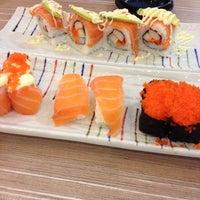 Photo taken at Octopus Sushi Bar & Thai by Nana S. on 5/25/2013