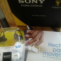Photo taken at Sony Store by Maritza A. on 9/5/2013