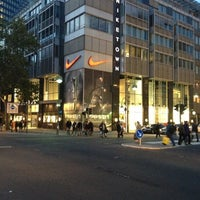 Photo taken at Niketown Berlin by oıƃƃɐq on 10/13/2012