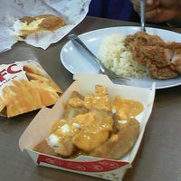 Photo taken at KFC by aqilah Z. on 10/5/2015