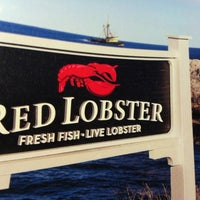 Photo taken at Red Lobster by Priscilla B. on 11/12/2012