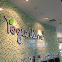 Photo taken at Yogurtland by David A. on 12/12/2012