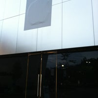 Photo taken at Apple Store by Stuart S. on 7/27/2013