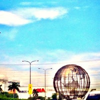 Photo taken at SM Mall of Asia by raphi d. on 7/6/2013