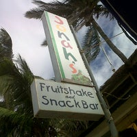 Photo taken at Jonah's Fruitshake and Snackbar by kerl f. on 2/9/2013