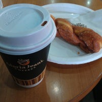 Photo taken at Gloria Jean's Coffees by Jasmine T. on 6/5/2014