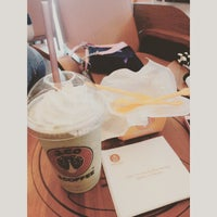 Photo taken at J.Co Donuts & Coffee by Sienny W. on 5/3/2015