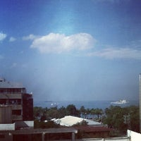 Photo taken at Pan Pacific Manila by Glenn J. on 10/29/2012