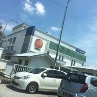 Photo taken at Hyundai-Sime Darby Motors Sdn. Bhd. by Montella on 5/17/2016