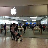 Photo taken at Apple Store, Short Hills by Genicio Z. on 3/10/2013
