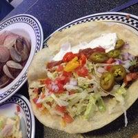 Photo taken at Pizza Como/Lou's 50 Yard Line Sports Bar by Warren R. on 9/26/2015
