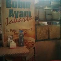 Photo taken at Bubur Ayam Jakarta Manyar by Ronny on 9/29/2014