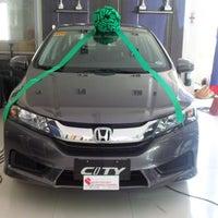 Photo taken at Honda Cars Global City by VARomero on 5/22/2014