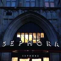 Photo taken at Sephora by Matthew🗽 on 10/29/2013