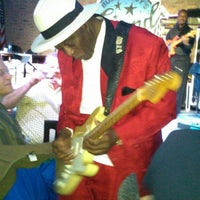 Photo taken at Buddy Guy's Legends by Billy F. on 1/12/2013
