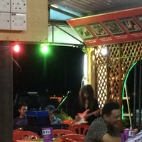 Photo taken at Restoran Juara Ikan Bakar 24 Jam by Abiey . on 8/25/2014