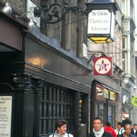 Photo taken at Ye Olde Cheshire Cheese by Adam A. on 9/25/2012