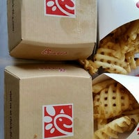 Photo taken at Chick-fil-A Columbus Commons by Jim S. on 5/21/2015