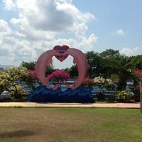 Photo taken at Oasis Sea World by Pae S. on 5/5/2013