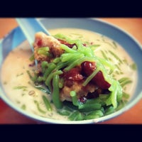 Photo taken at Penang Road Famous Teochew Chendul (Tan) by saimatkong on 11/4/2012
