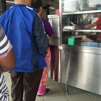 Photo taken at Restoran Zaman by Farahainulfuadyusof on 9/5/2016