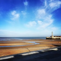 Photo taken at Margate Main Sands by Ben R. on 3/11/2015