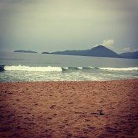 Photo taken at Praia Vermelha do Centro by Mariane B. on 12/16/2012
