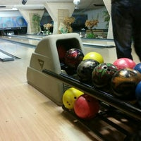Photo taken at Bowlingcentrum 's-heerenberg by HuriYe K. on 9/14/2015