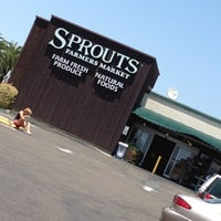 Photo taken at Sprouts Farmers Market by Brooks W. on 7/22/2012