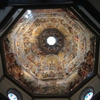 Photo taken at Cattedrale di Santa Maria del Fiore by PinkBT♡ on 7/31/2012