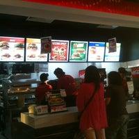 Photo taken at Burger King by DariusHaikal on 8/8/2012