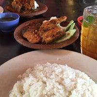 Photo taken at Restoran Anjung Ara by Yana I. on 7/13/2016